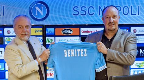 Aurelio De Laurentiis con il nuovo allenatore Rafa Benitez. Ansa