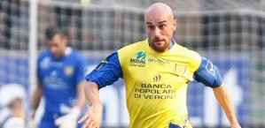 Roberto Guana, centrocampista del Chievo. LaPresse