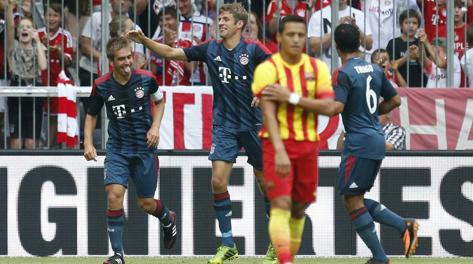 Philipp Lahm festeggia il gol dell'1-0. Ap