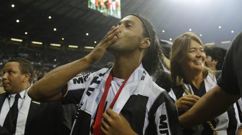 Ronaldinho, 33 anni. Ap