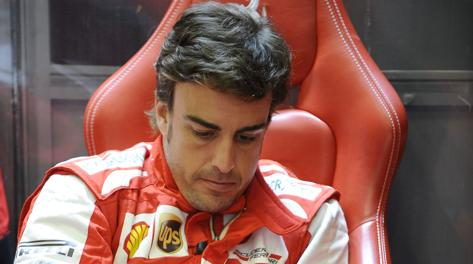 Un pensieroso Fernando Alonso. Colombo