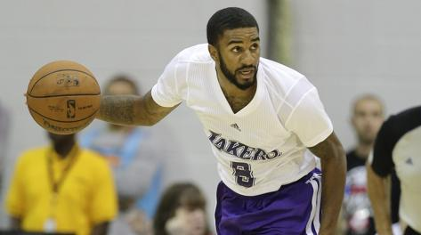 La divisa con le maniche sperimentata dai Lakers in Summer League. Ap