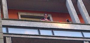 Kakà  al balcone di via Turati