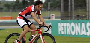 Fernando Alonso e il ciclismo, un legame forte. Reuters