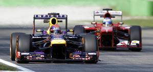 Vettel braccato da Alonso a Monza. Afp
