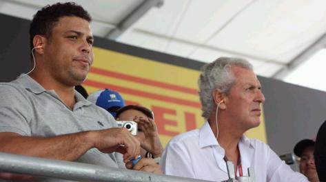 Ronaldo accanto a Tronchetti Provera. Pirelli