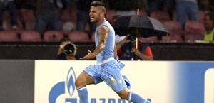 Lorenzo Insigne esulta dopo il 2-0.  Reuters