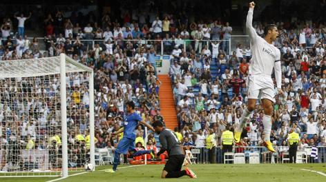 Ronaldo più in lato di tutti al Bernabeu. Reuters