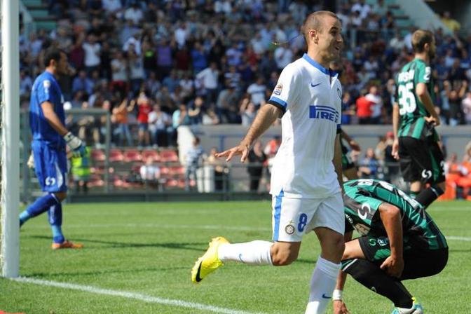 Palacio dopo il gol che sblocca la partita. Lapresse