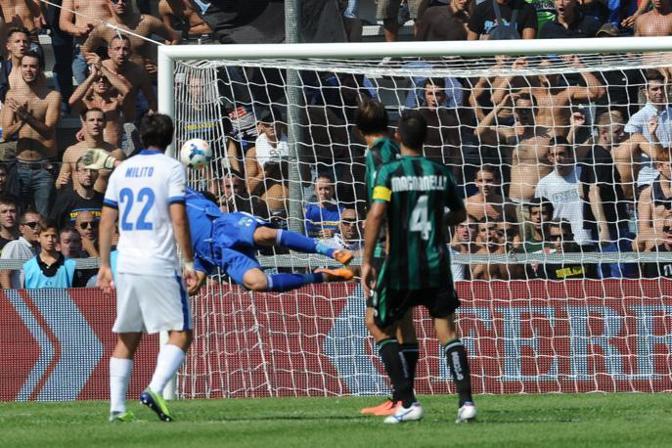 Anche Cambiasso in gol: è il 6-0 Lapresse