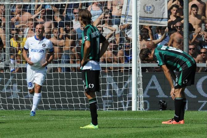 Il centrocampista Esteban Cambiasso Lapresse