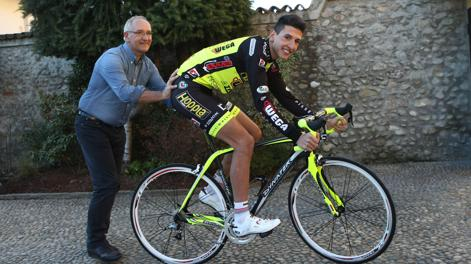 Davide Martinelli con papà Beppe. Bettini
