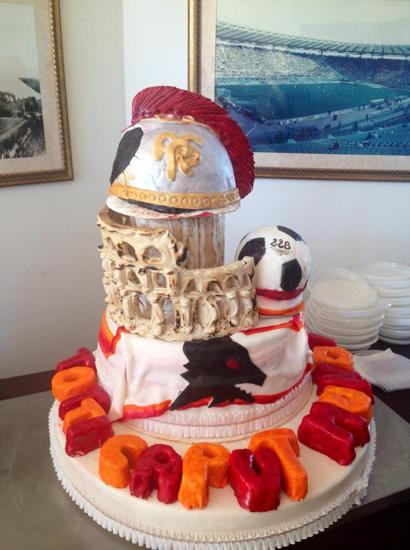 Buon compleanno totti foto del giorno ultime notizie - Colorazione pagina della torta di compleanno ...