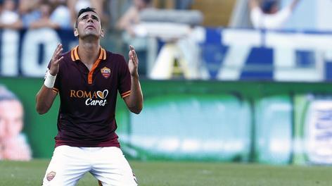 La preghiera di Leandro Castan dopo la vittoria nel derby. Reuters