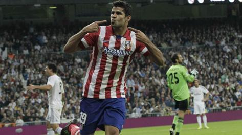 Diego Costa festeggia il gol a Real. Epa