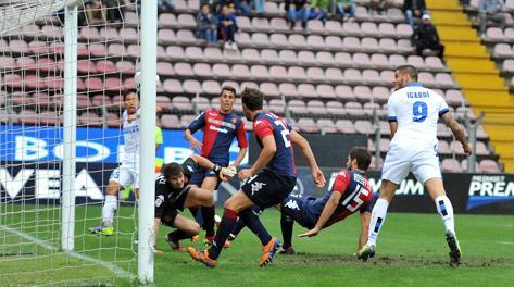 Il gol del momentaneo vantaggio dell'Inter. Lapresse
