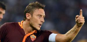 Francesco Totti, 37 anni, capitano giallorosso. Ansa