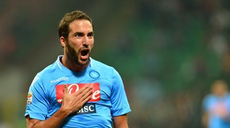 Gonzalo Higuain set to miss Arsenal v Napoli with leg injury [Gazzetta dello Sport]