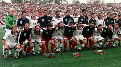 La nazionale americana e quella iraniana  nel 2000 in un'amichevole.  Ap