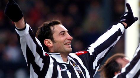 Mark Iuliano con la maglia della Juventus nel 2002. Ap