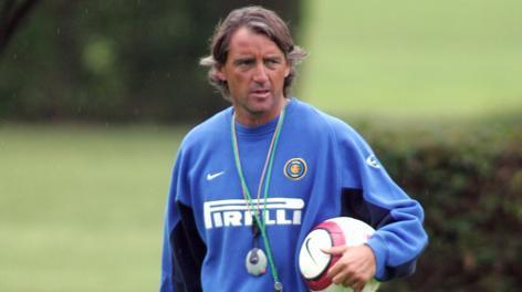 Mancini nel 2004 quando era allenatore dell'Inter. Omega