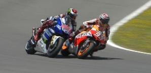 Ultima curva: Marquez dà una spallata a Lorenzo per il 2° posto IPP