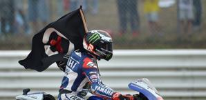 Lorenzo festeggia la vittoria a Misano. Afp