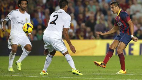 Il colpo di fino di Sanchez per il 2-0. Ap