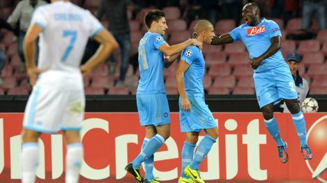 Festa Napoli dopo l'1-1 di Inler. LaPresse
