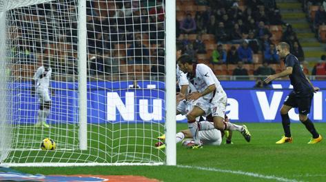 Il pasticcio di Bardi che vale l'1-0 dell'Inter. LaPresse
