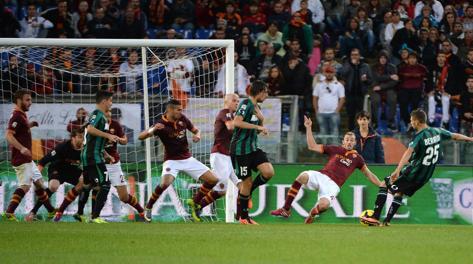 Il gol con cui Berardi ha siglato l'1-1. Ansa