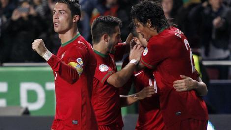 Ronaldo esulta: ha portato il Portogallo al Mondiale. LaPresse