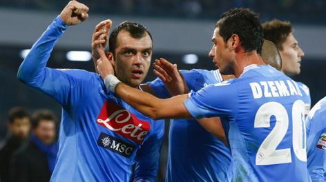 Goran Pandev, 30 anni, esulta dopo il secondo gol personale. Reuters