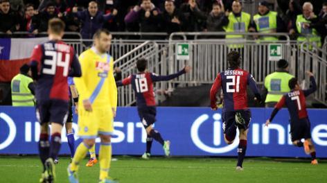 Nenè festeggia il momentaneo vantaggio del Cagliari. LaPresse