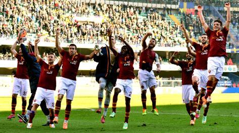 Roma in festa a Verona. Afp