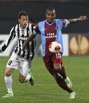 Marchisio contro Malouda. Reuters