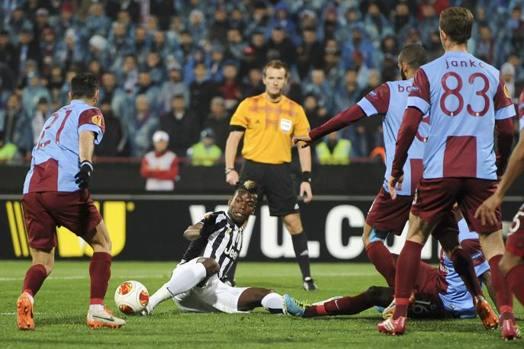 Paul Pogba gioca da terra. Lapresse