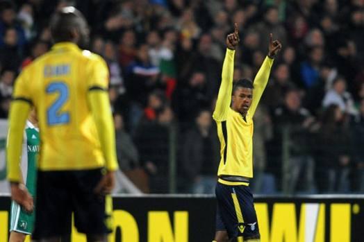 L'esultanza del giovane attaccante per il gol del vantaggio. Afp