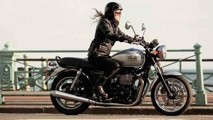 sella bassa e pesi ok le 7 migliori moto da donna la gazzetta dello sport. Black Bedroom Furniture Sets. Home Design Ideas