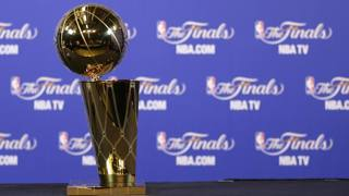Il Larry O'Brien Trophy. Afp