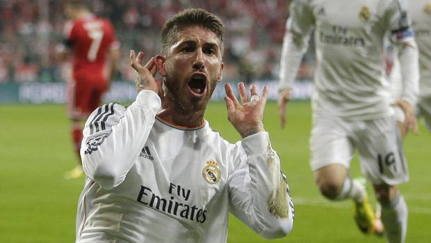 Sergio Ramos festeggia così la doppietta all'Allianz Arena. LaPresse