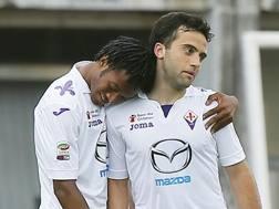 Cuadrado festeggia con Rossi la rete dell'1-0. Ansa
