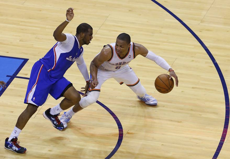 Russell Westbrook a destra e Chris Paul (Reuters)