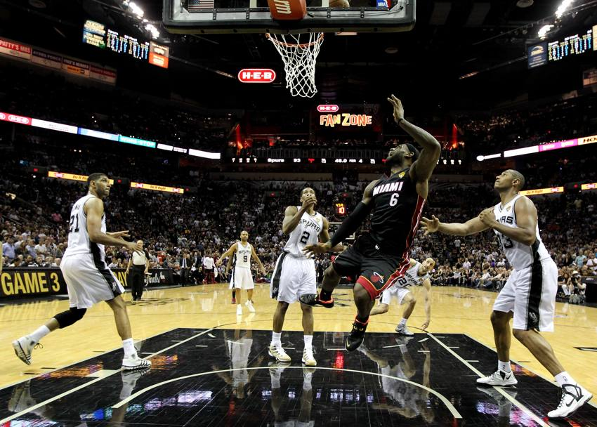 LeBron James #6 (Afp)