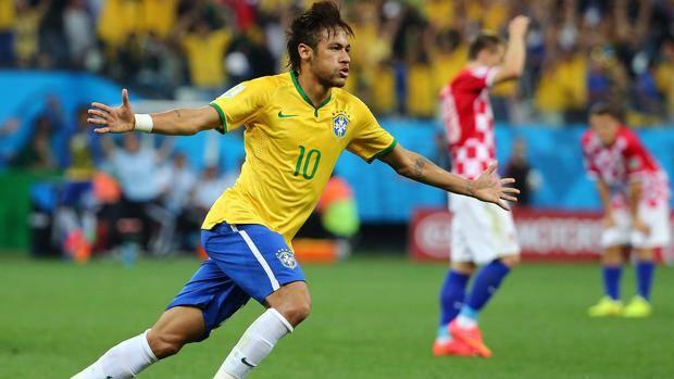 Neymar, 22 anni, festeggia dopo il gol del pari. Epa