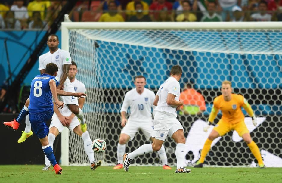 Al 35' Italia in vantaggio: gran destro da fuori di Marchisio. Getty