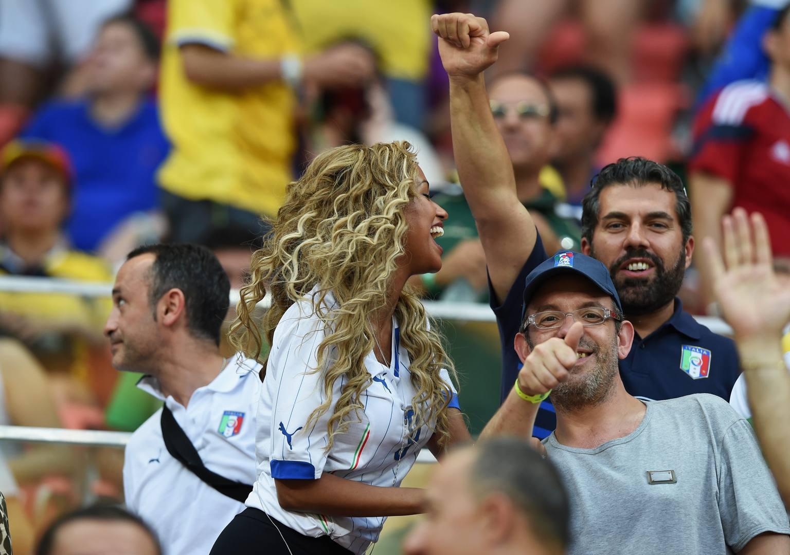 Italia inghilterra fanny porta fortuna a balo la - Foto porta fortuna ...