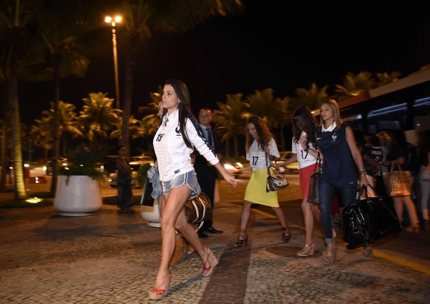 Ritorno in hotel: Ludivine Sagna guida la sfilata. Afp