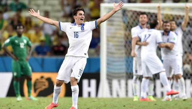 La gioia di Lazaros Christodoulopoulos, 27 anni, dopo la vittoria con la Costa d'Avorio. Afp