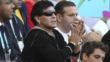 Maradona in tribuna. Epa